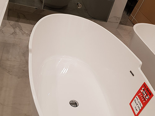 Over 60% off this Gaita Free-standing Bath White - was £1,900.00 NOW £727.00 + VAT