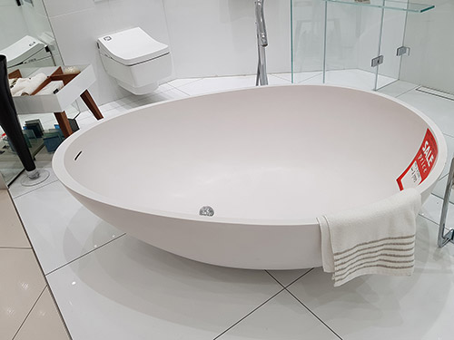 Over 67% off this Teknorot Vove Free-standing Bath White - was £6,200.00 NOW £1,995.00 + VAT