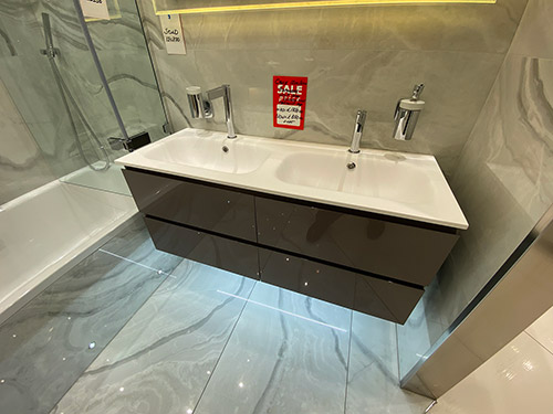 Calix Straight Italian Vanity Unit + Tap - was £1,850.00 NOW £850.00 + VAT