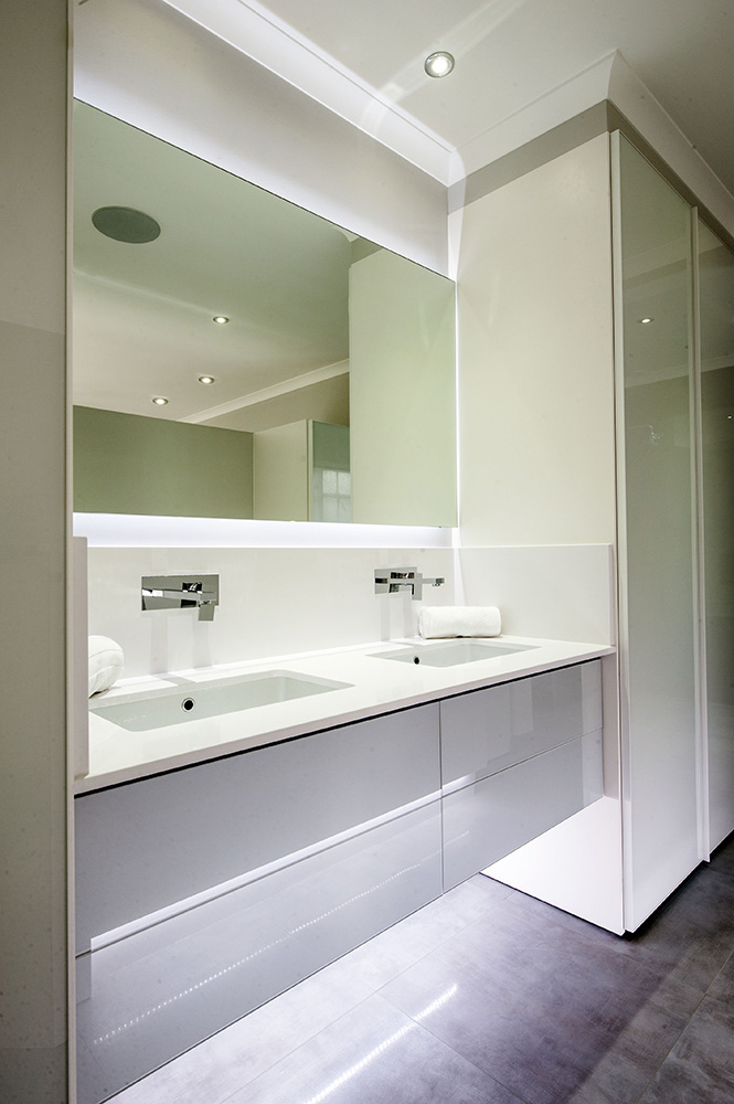 Deacon bathroom, vanity unit