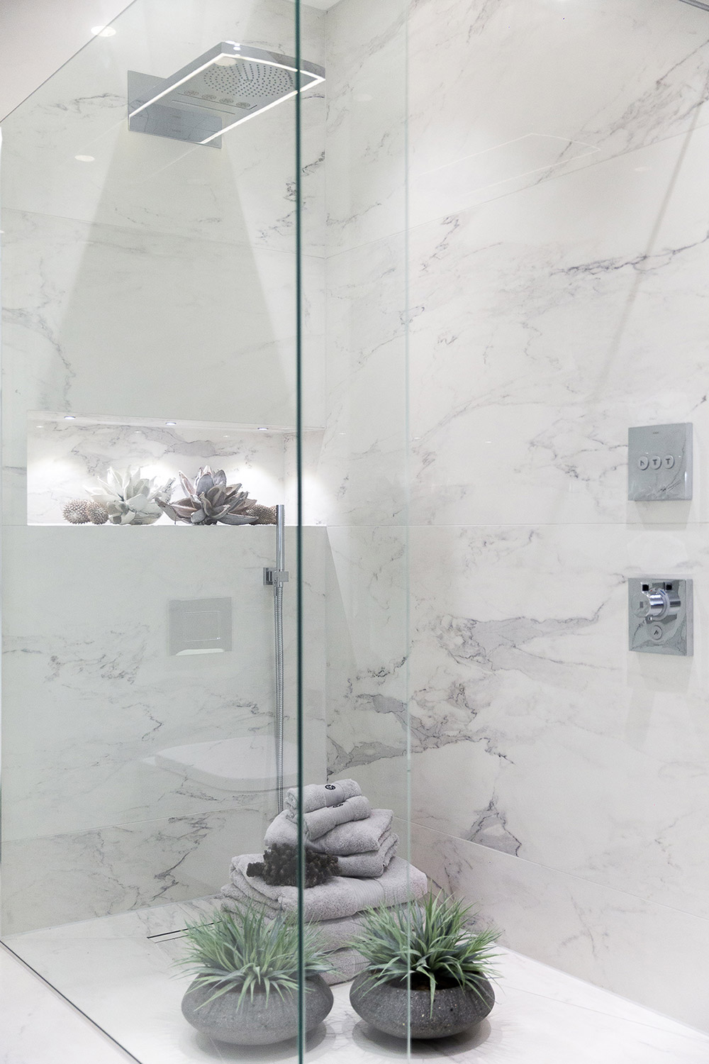 Luxury Bathroom - Shower : Hadley Wood, London