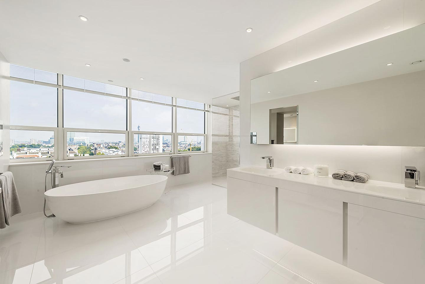 Telegraph the world 39 s best bathrooms in pictures tiles baths direct for Coolest bathrooms in the world